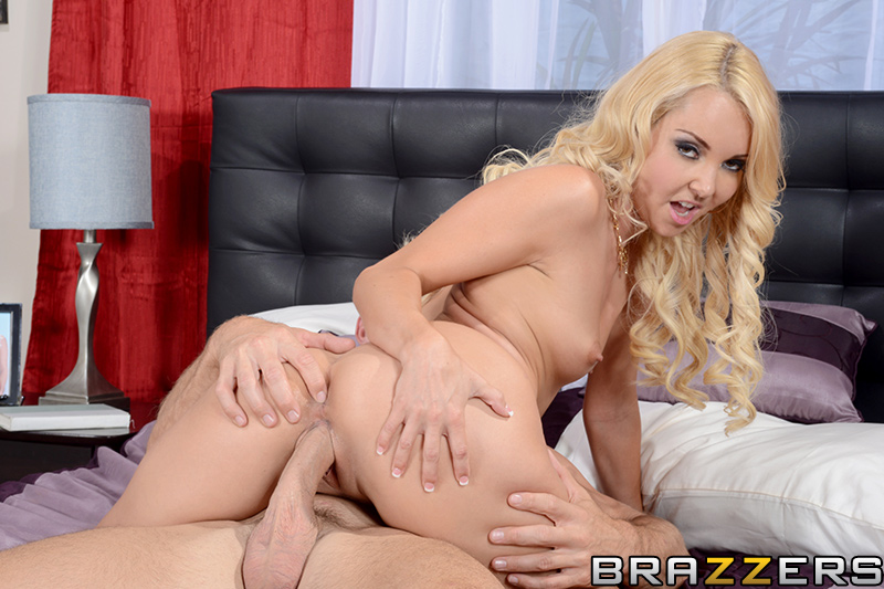 brazzers_pics_aaliyah_love_panty_sniffer_15