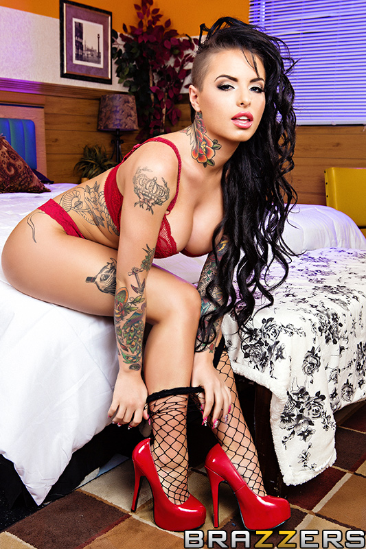 brazzers_pics_christy_mack_one_night_stand_3