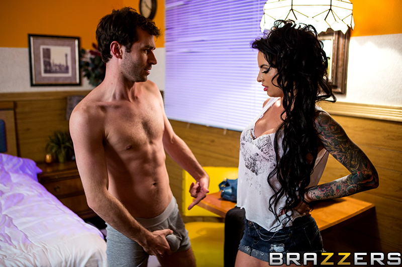 brazzers_pics_christy_mack_one_night_stand_6