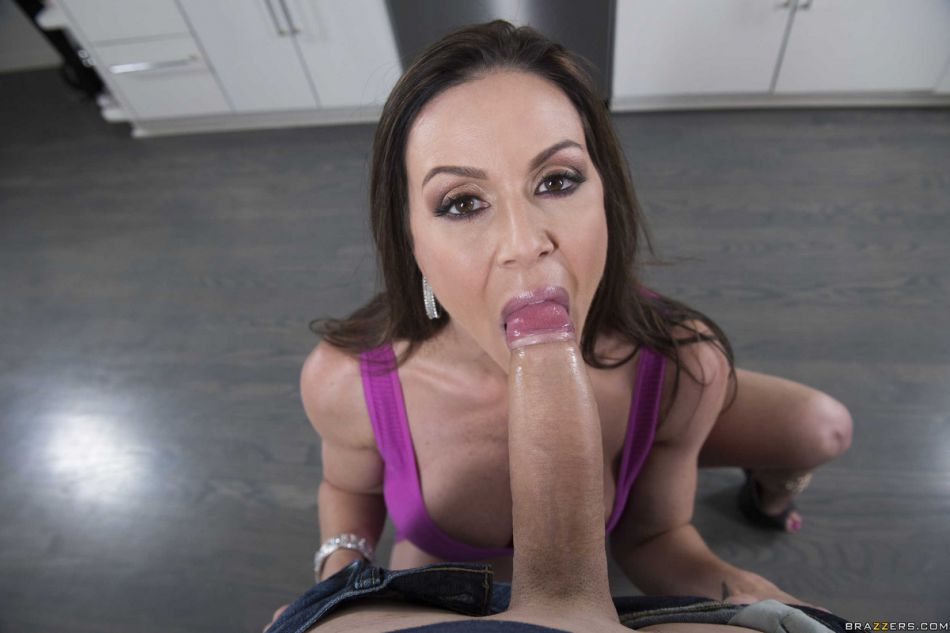 brazzers_pics_kendra_need_a_hand_4
