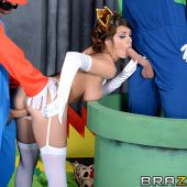 brazzers_pics_brooklyn_chase_in_big_tits_13